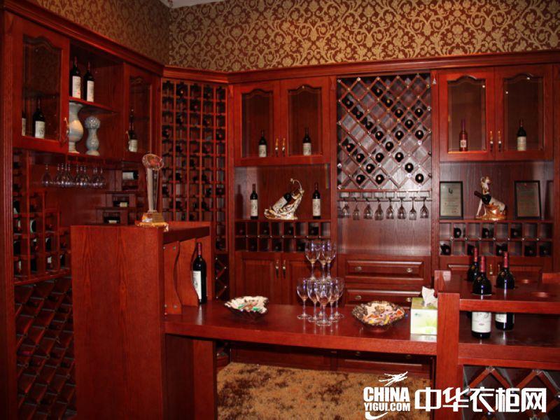 美式简约风格衣柜效果图 韩式白色实木衣柜效果图 淡雅的现代简约风格
