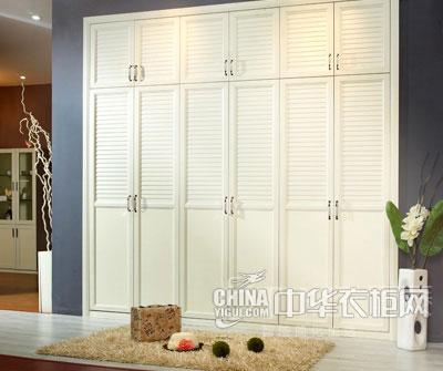 新美式风格整体衣柜效果图 看似平凡却不简单图片