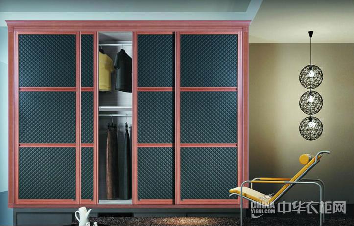 现代简约风格衣柜效果图 黑色皮纹彰显主人的非凡品味