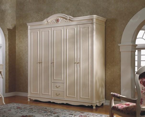 高雅纯净欧式衣柜设计图