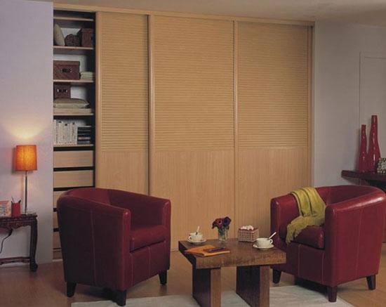 枫木平板经典百叶衣柜图片