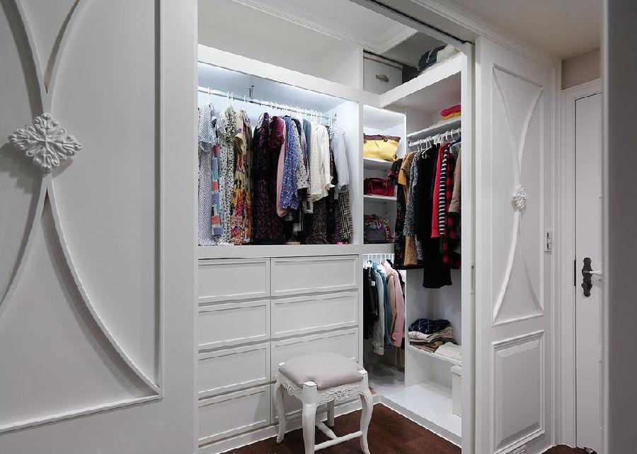 轻复古路线 简欧独立式衣柜效果图 高清图片