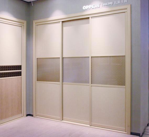 时尚大气卧室设计 百搭推拉门衣柜效果图图片