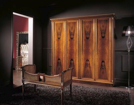 欧式风格实木衣柜效果图